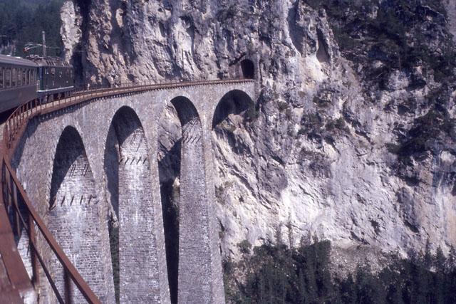 レーティッシュ鉄道アルブラ線・ベルニナ線と周辺の景観の画像 p1_8